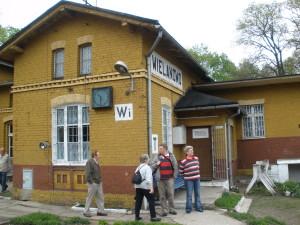 Eingang zum Bahnhof Villnow 2010