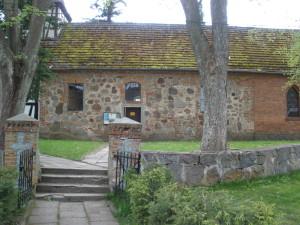 Eingang zur Kirche Naseband, Mai 2010
